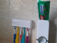 Toothpaste dispencer