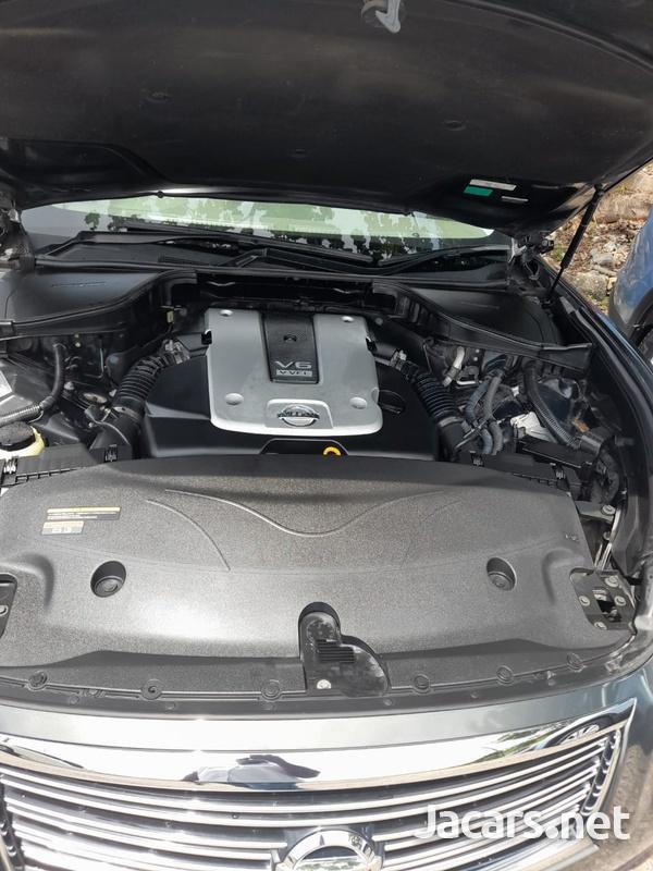 Nissan Fuga 3,7L 2011-3