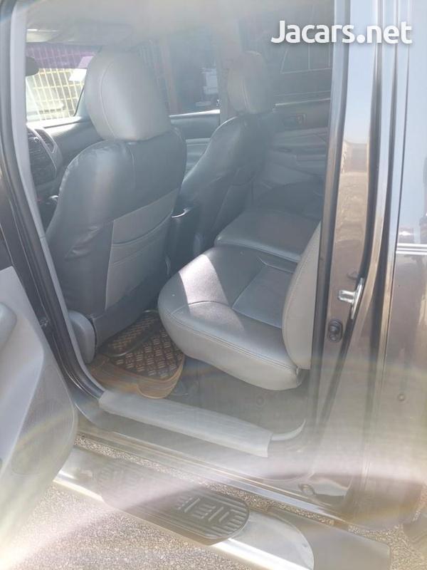 Toyota Tacoma 2,7L 2012-10