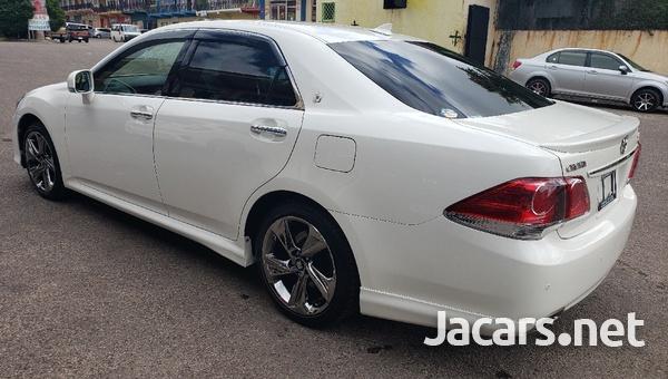 Toyota Crown 2,5L 2012-5