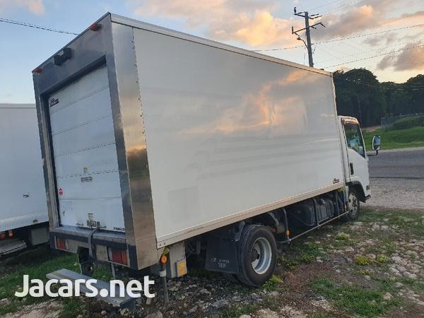 2012 Izusu Elf freezer truck-4