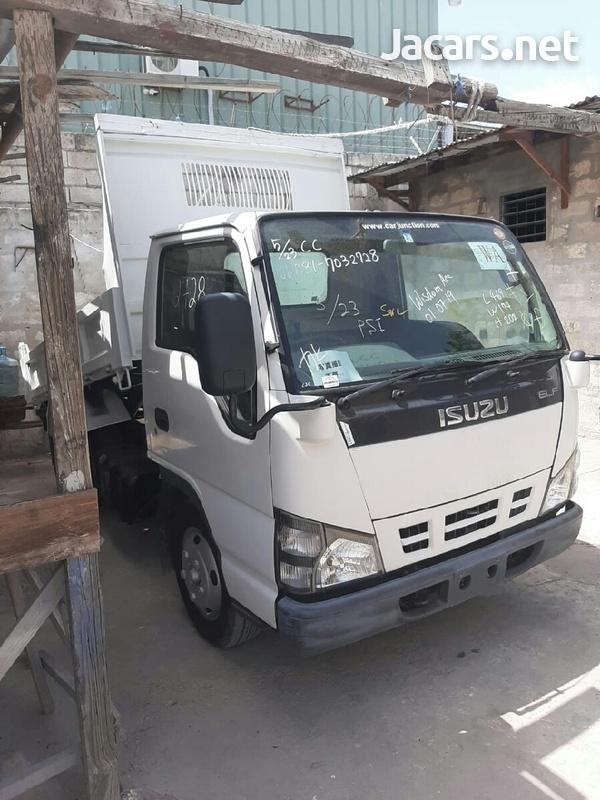 2006 Isuzu Truck-1