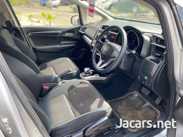 Honda Fit 1,3L 2015-9