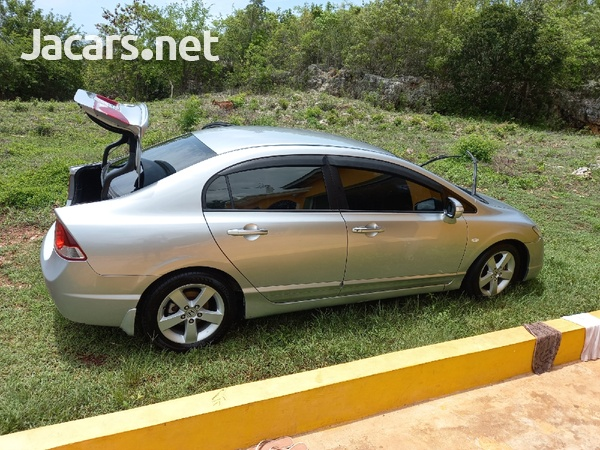 Honda Civic 1,8L 2007-7