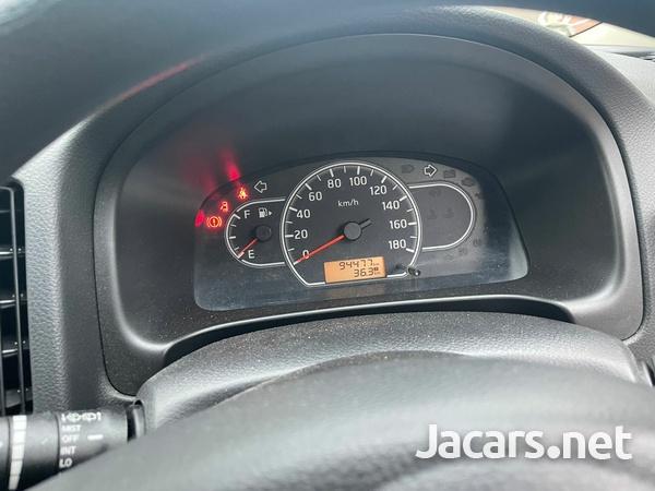 Mazda Familia 1,5L 2016-4