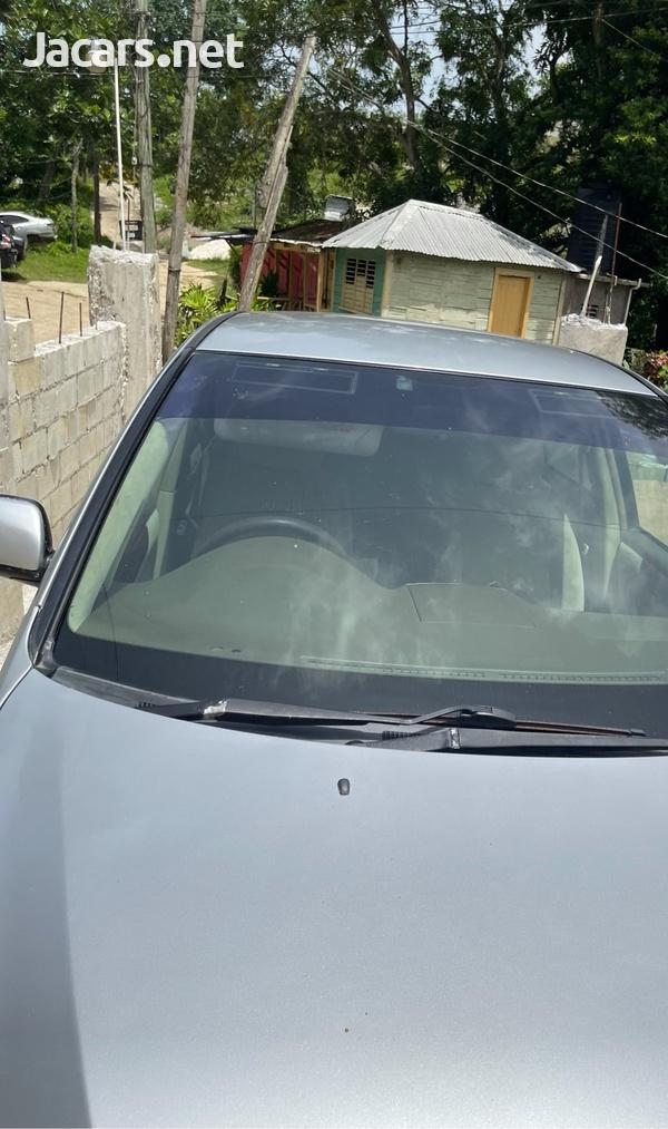 Toyota Ipsum 2,4L 2006-11
