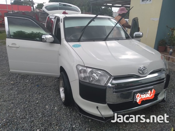 Toyota Probox 1,6L 2016-3