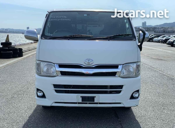 Toyota Hiace 3,0L 2013-3