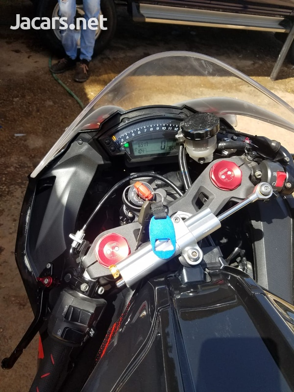 Kawasaki 1000ZX 2011-3
