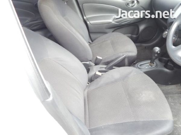Nissan Latio 2,0L 2013-8