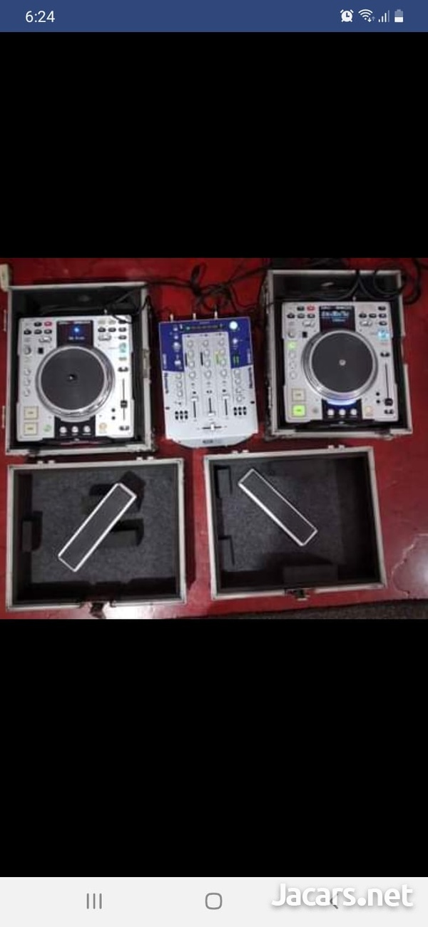 Numark mixer +2 Dennon Cd players and cases-1