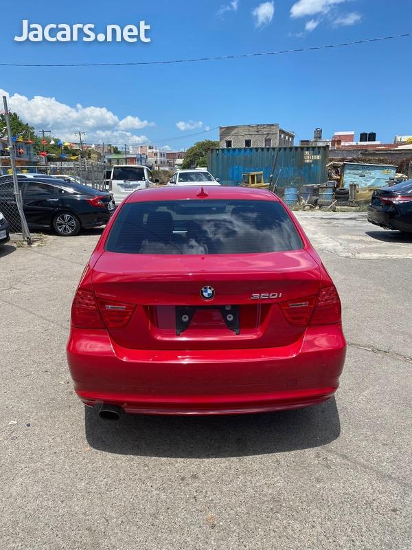 BMW 3-Series 2,0L 2011-5