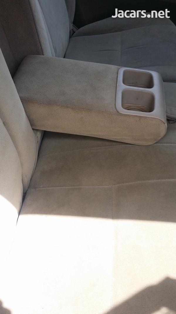Toyota Ipsum 2,4L 2003-6