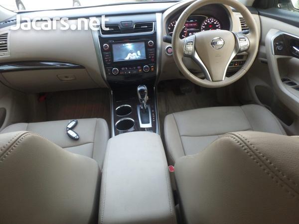 Nissan Teana 2,5L 2016-5