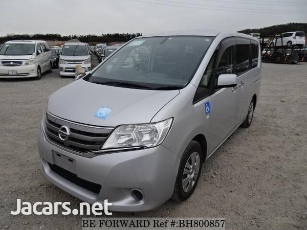 Nissan Serena 2,0L 2012-1