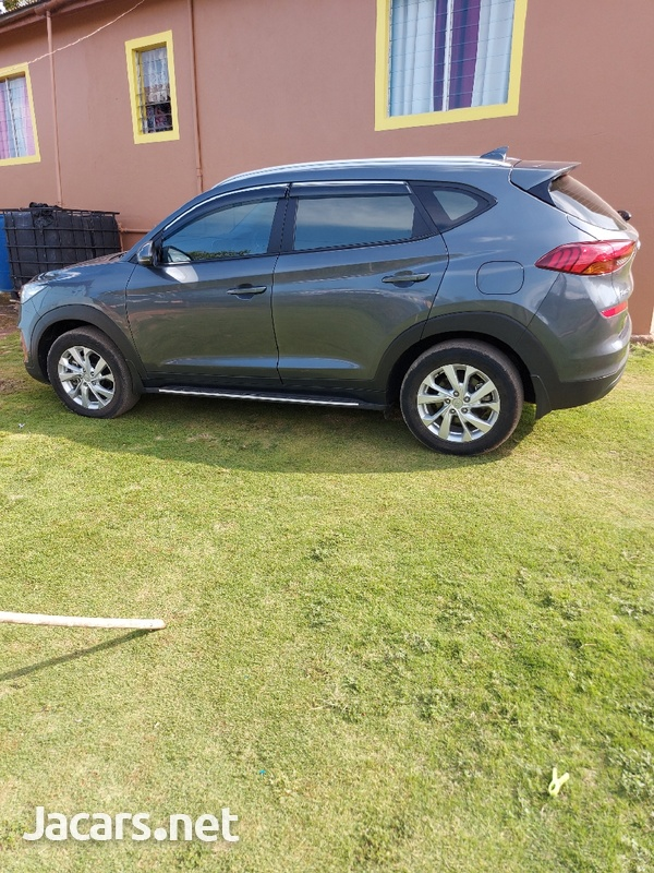 Hyundai Tucson 2,0L 2019-1