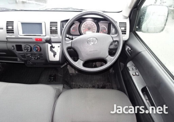 Toyota hiace high top .dual AC-4