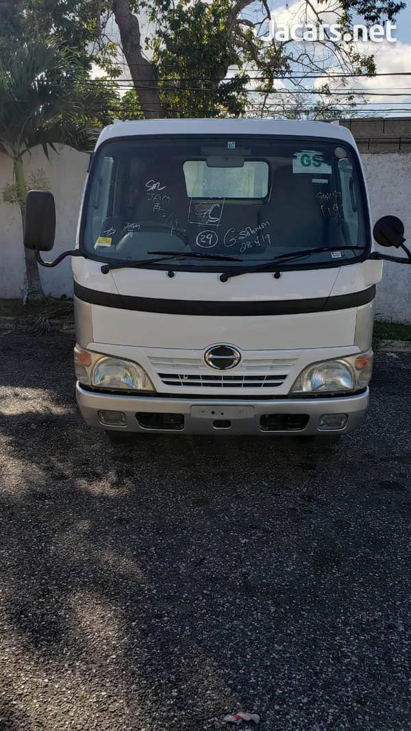 Hino Dutro Truck 2006-3