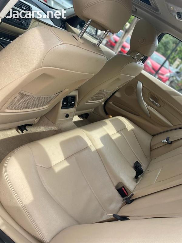 BMW 3-Series 2,0L 2015-4