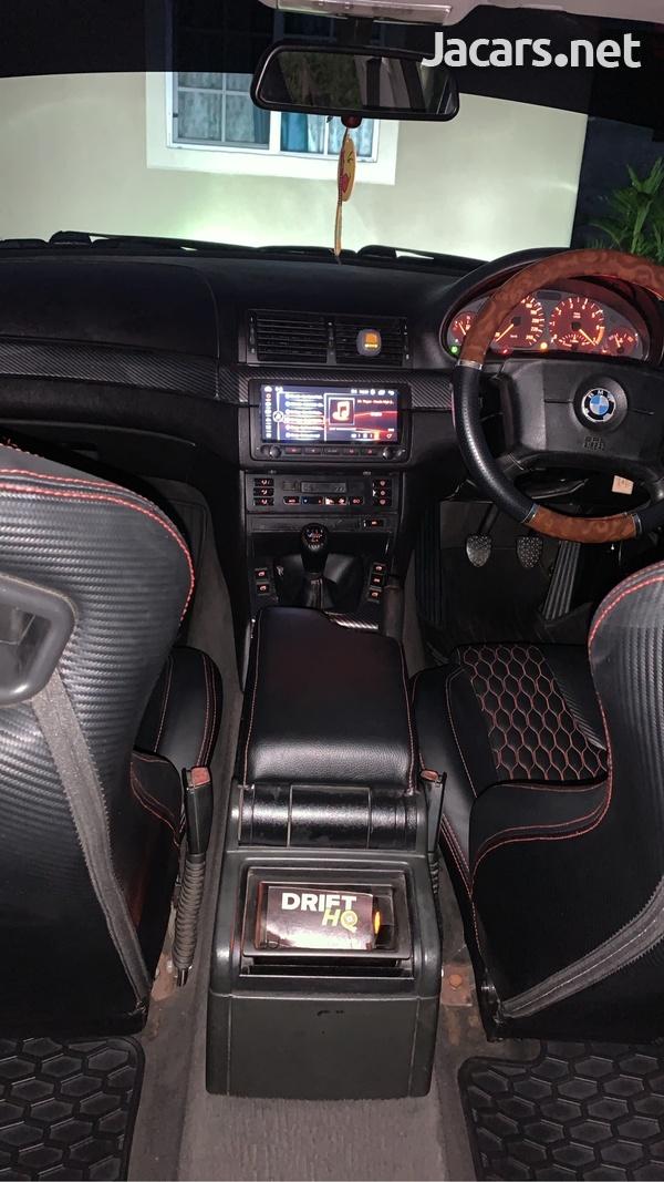 BMW 3-Series 2,5L 2000-11