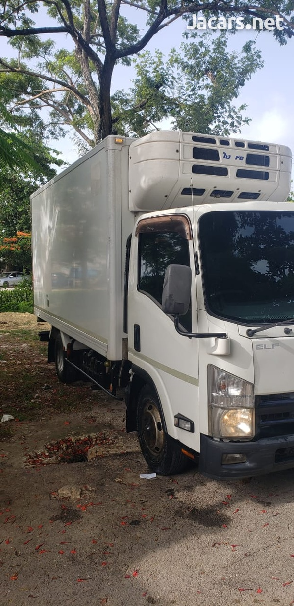Isuzu Box Body Truck 5,0L 2011-9