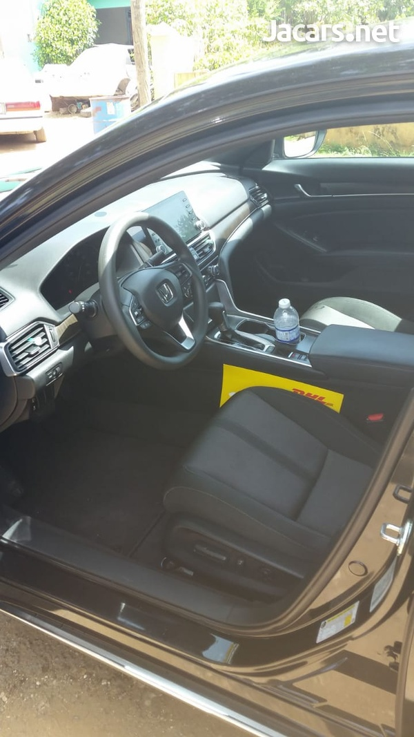 Honda Accord 1,5L 2018-3