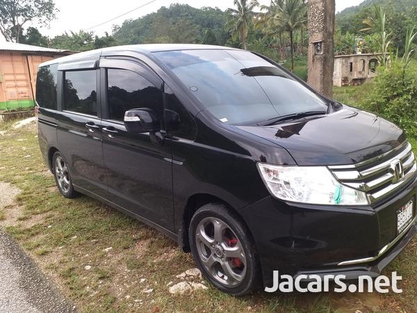 Honda Stepwgn 2,0L 2014-4