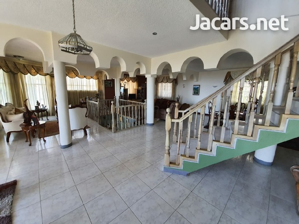 One beautiful 6 bedrooms and 7 bathrooms house at Red Hills-8