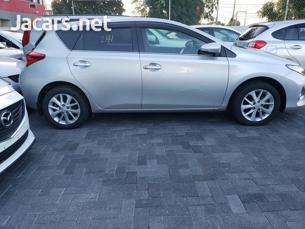 Toyota AURIS 1,5L 2013-4