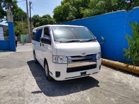 Toyota Hiace DX-GL Bus 2,0L 2014