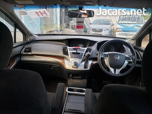 Honda Odyssey 2,0L 2012-5