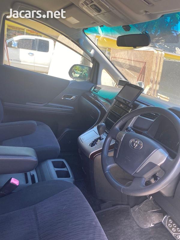 Toyota Vellfire 2,0L 2012-5