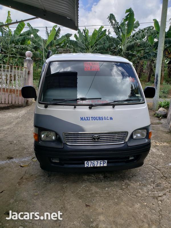 2003 Toyota Hiace Bus-1