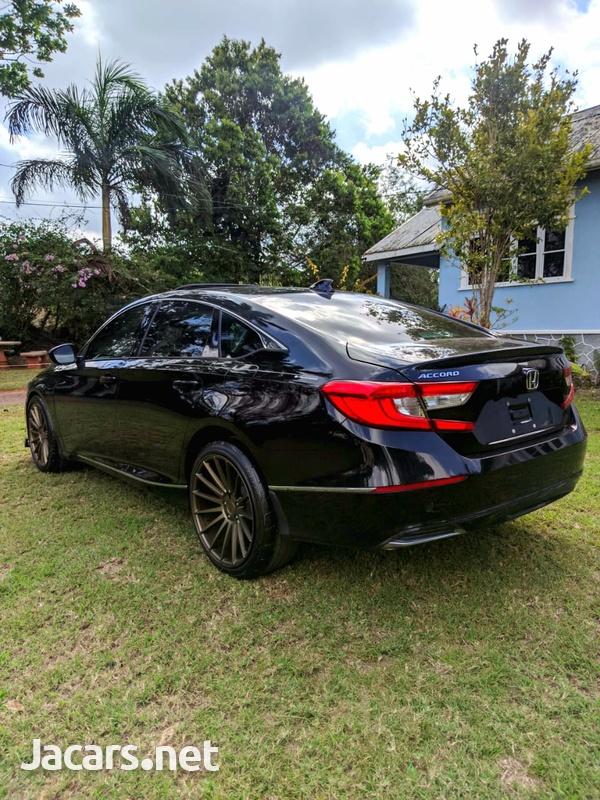 Honda Accord 1,5L 2019-4