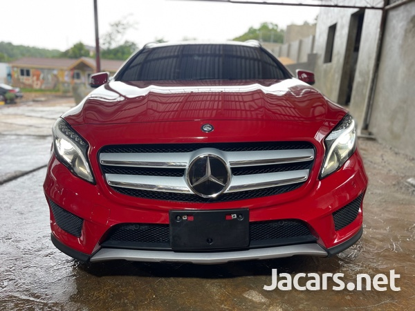 Mercedes-Benz GLA-Class 2,0L 2015-2