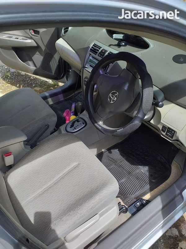 Toyota Belta 1,3L 2010-1