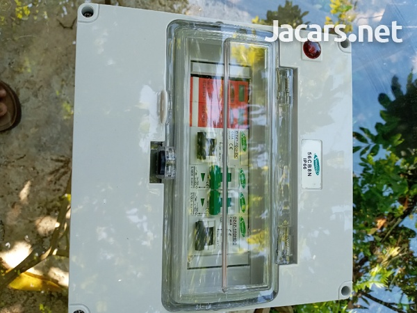 Combiner box, for solar systems.-4