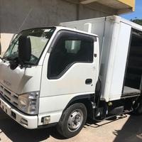 2012 Isuzuz Box Truck