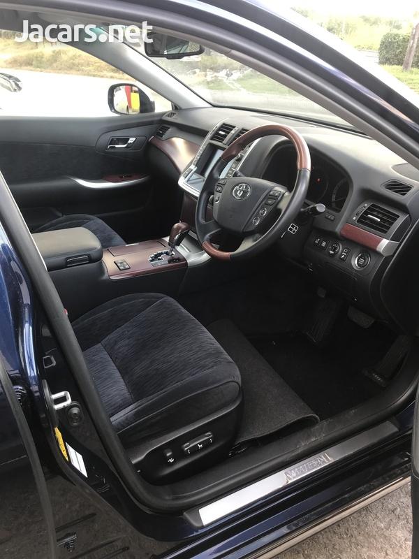 Toyota Crown 4,6L 2013-5