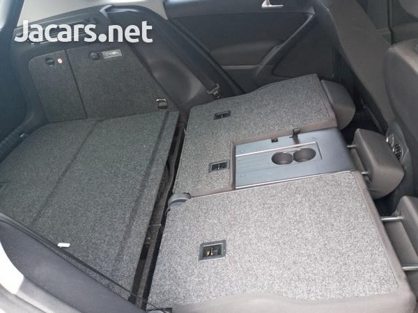 Volkswagen Tiguan 2,0L 2014-3