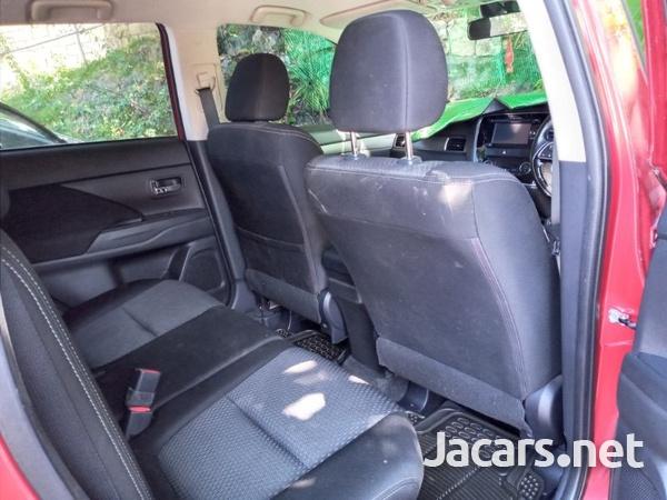 Mitsubishi Outlander 2,0L 2018-3
