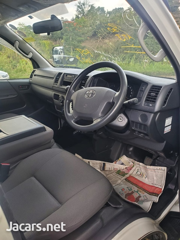 Toyota Hiace 2,0L 2015-2