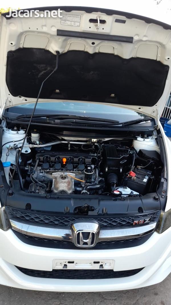 Honda Stream 1,8L 2013-9