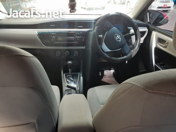 Toyota Corolla 1,5L 2015-6