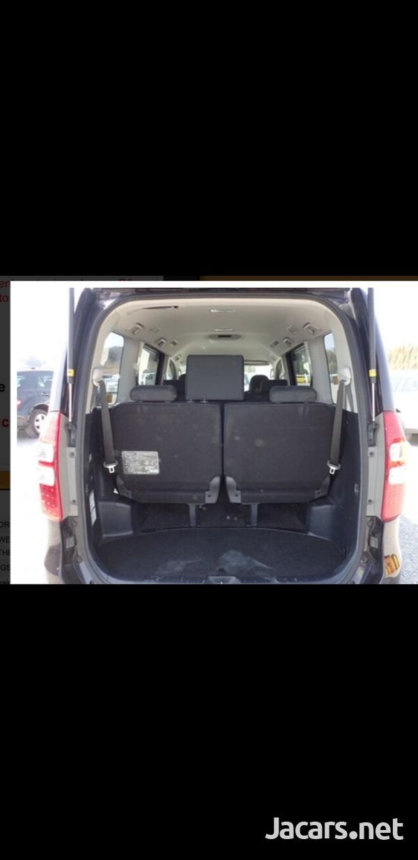 Honda Stepwgn 2,0L 2013-9
