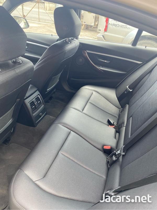 BMW 3-Series 3,0L 2018-6