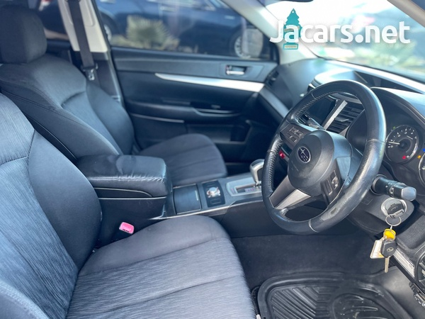 Subaru Legacy 2,5L 2011-6