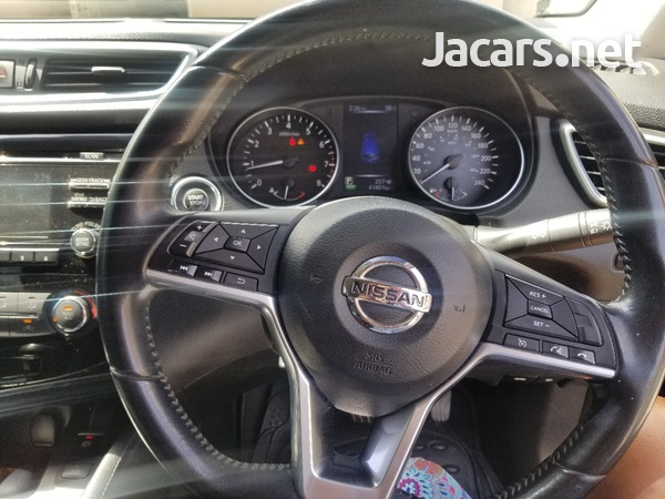 Nissan Qashqai 2,0L 2018-7