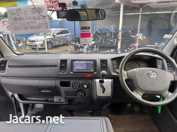 Toyota Hiace 2,0L 2015-7