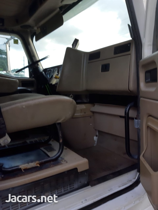 2013 International Prostar Truck-5